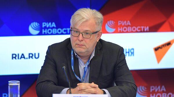 Дмитрий Куликов: Запад хочет Россию подчинить и разобрать на запчасти - Sputnik Латвия