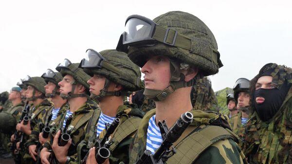 Krievijas un Baltkrievijas militārās mācības - Sputnik Latvija
