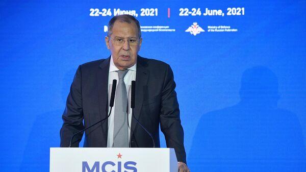 Лавров: НАТО мерещатся агрессивные действия России - Sputnik Латвия