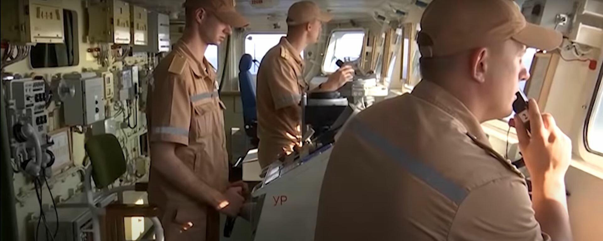 Корабли ВМФ России отбили воздушную атаку на учениях в Средиземном море - британцы бдят - Sputnik Латвия, 1920, 28.06.2021