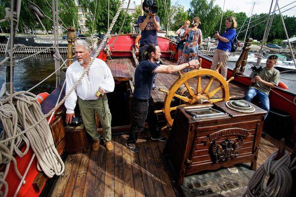 Потом корабль продолжал службу до 1719 года, а затем был поставлен в Кронверкскую протоку, где без ухода пришел в упадок. - Sputnik Латвия
