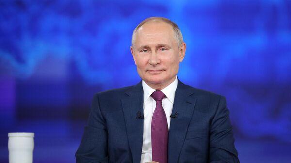 Прямая линия с президентом РФ Владимиром Путиным - Sputnik Латвия