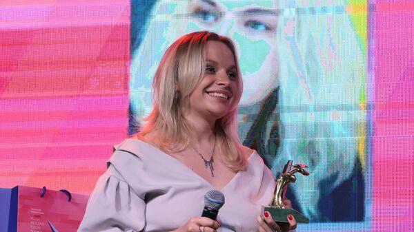 Начальник управления по производству контента Новостного агентства и радио Sputnik Маргарита Некрасова получила награду За создание и эффективное продвижение социальных сетей Sputnik в странах ближнего зарубежья, Балтии и России - Sputnik Латвия