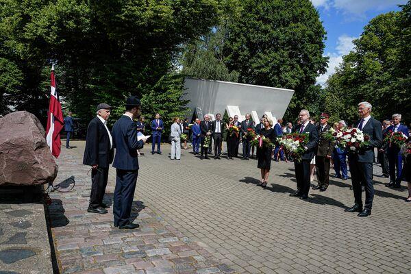 Традиционно в День памяти жертв геноцида еврейского народа 4 июля здесь проводится траурная церемония при участии высших должностных лиц Латвии. - Sputnik Латвия