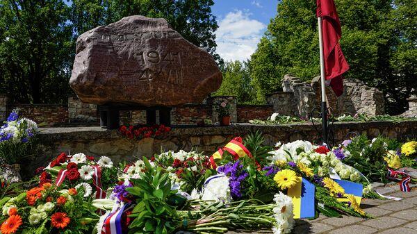 Мемориал Рижской хоральной синагоги в День памяти геноцида еврейского народа в Латвии - Sputnik Latvija