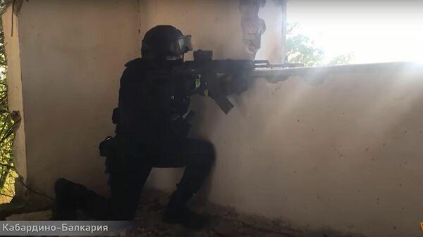 ФСБ предотвратила теракты в России: эксклюзивные кадры спецоперации - Sputnik Latvija