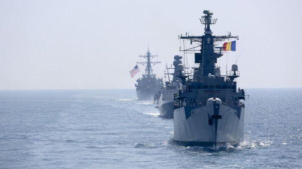 NATO valstu kuģi Melnajā jūrā - Sputnik Latvija