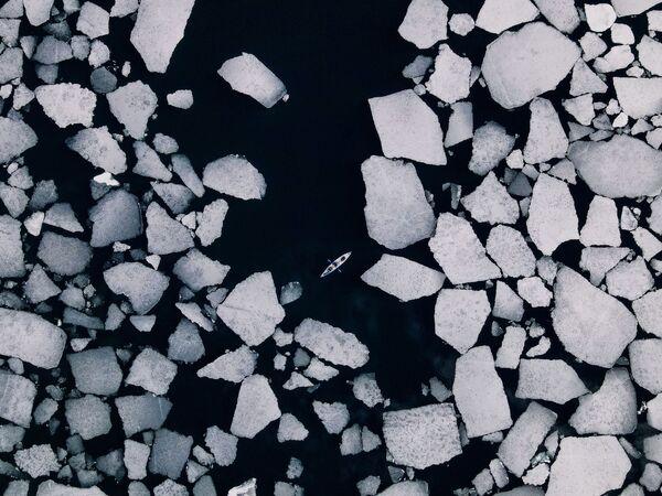 Снимок Уходящие льды Байкала Дмитрия Купрацевича, ставший одним из победителей фотоконкурса «Моя Планета. Россия в деталях» - Sputnik Латвия