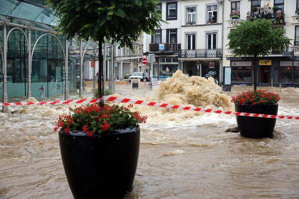 Наводнение в центре города Спа в Бельгии. 14 июля 2021 года. - Sputnik Латвия