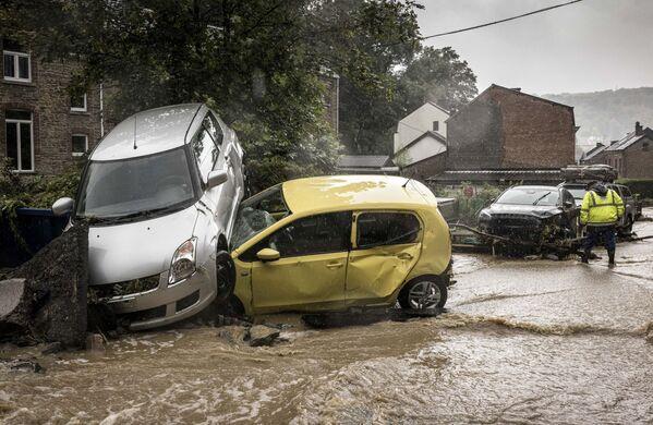 Последствия наводнения в бельгийском городе Мере. 14 июля 2021 года. - Sputnik Латвия