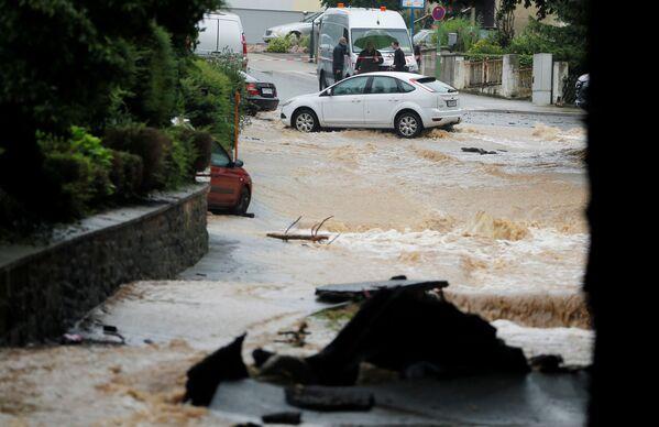 Затопленная улица в немецком Хагене. 14 июля 2021 года. - Sputnik Латвия