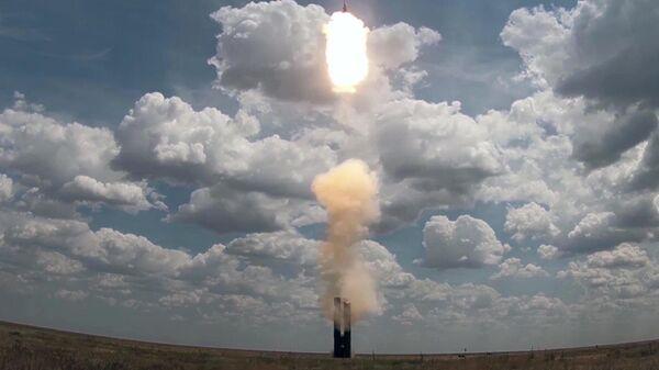 Не имеет аналогов в мире: испытания ЗРС С-500 в России - Sputnik Латвия