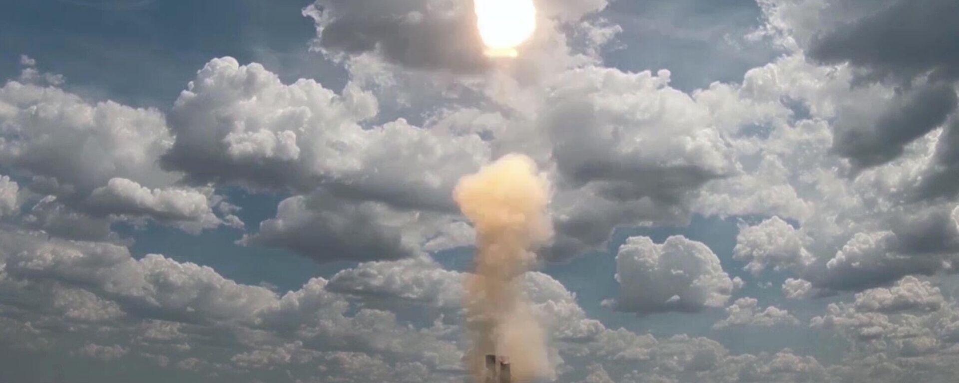 Не имеет аналогов в мире: в РФ прошли испытания ЗРС С-500 - Sputnik Latvija, 1920, 21.07.2021