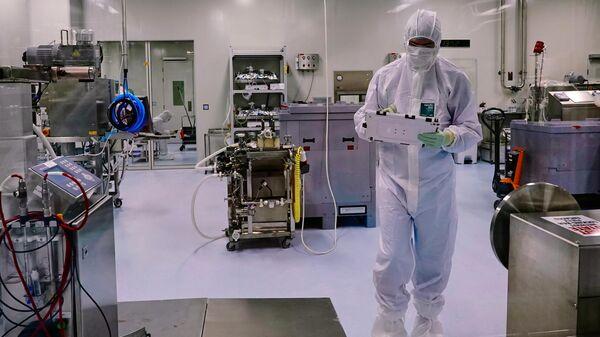 Производство вакцины от коронавируса биотехнологической компании BIOCAD в Санкт-Петербурге - Sputnik Латвия