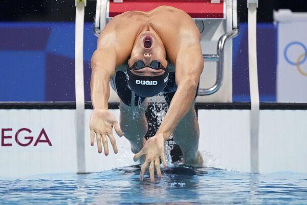 Tomass Čekons no Itālijas startē pusfinālā 100 metru distancē brasā vīriešiem vasaras Olimpiskajās spēlēs - Sputnik Latvija