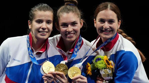 Krievijas paukotājas Oļga Ņikitina, Sofja Pozņakova un Sofja Velikaja (no kreisās uz labo) - Sputnik Latvija