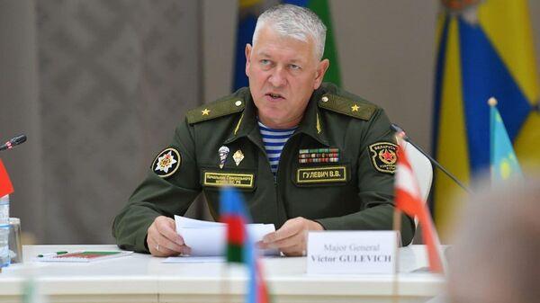 Начальник Генштаба – первый замминистра обороны Беларуси Виктор Гулевич - Sputnik Латвия