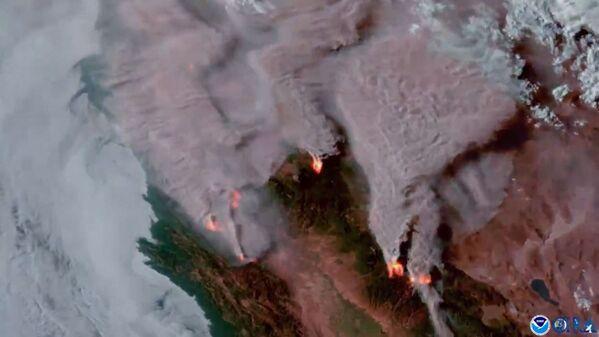Спутниковый снимок пожаров в Калифорнии - Sputnik Латвия
