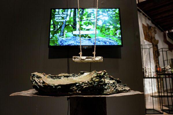 На выставке Creo ergo sum нет предметов быта, подсвечников и посуды – представлены исключительно арт-объекты - Sputnik Латвия