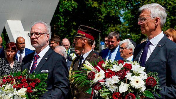 Президент Латвии Эгилс Левитс(слева) и премьер-министр Латвии Кришьянис Кариньш(справа) - Sputnik Latvija
