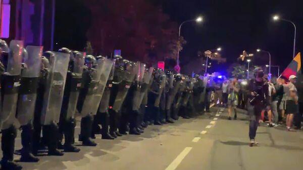 Беспорядки у здания Сейма Литвы - Sputnik Латвия
