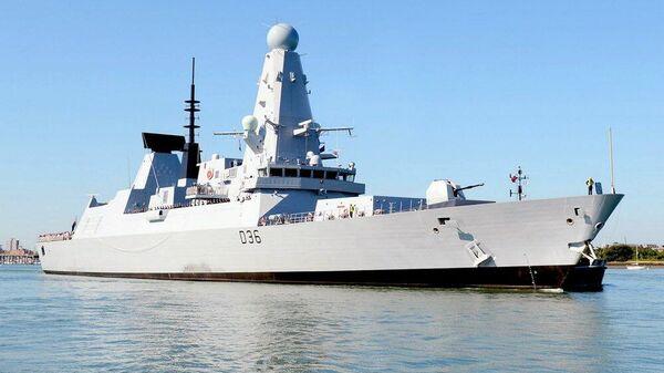 Британский эсминец Defender - Sputnik Latvija