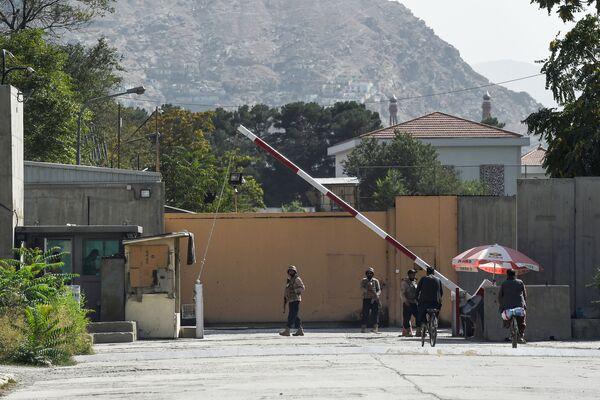 """Drošības dienests pie """"Zaļās zonas"""" Kabulā. - Sputnik Latvija"""
