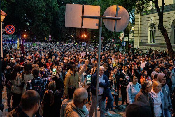 Акция протеста в Риге собрала несколько тысяч участников - Sputnik Латвия