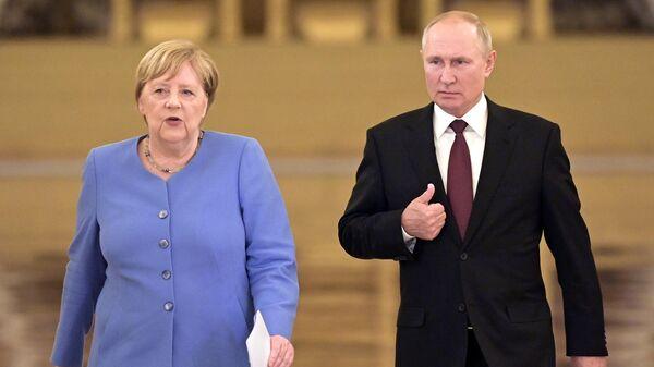 Krievijas prezidenta Vladimira Putina un Vācijas kancleres Angelas Merkeles tikšanās  Maskavā - Sputnik Latvija