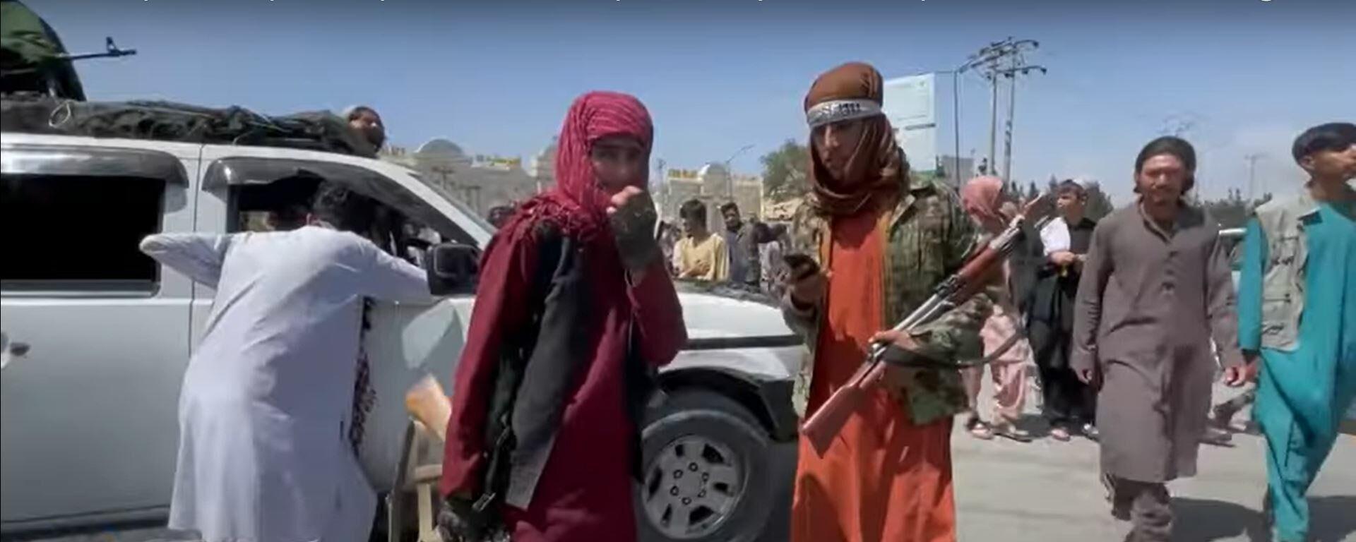 Талибы теряют контроль в Афганистане? ИГ* взрывает Кабул, США хотят отомстить - Sputnik Латвия, 1920, 27.08.2021