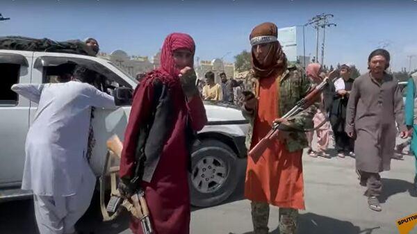 Талибы теряют контроль в Афганистане? ИГ* взрывает Кабул, США хотят отомстить - Sputnik Латвия