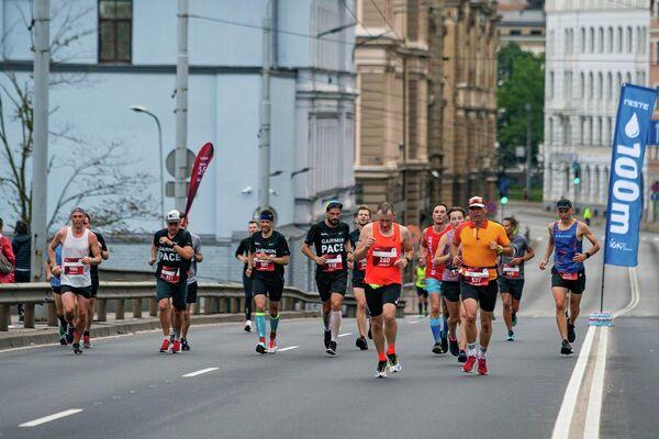 Атлеты на дистанции Рижского марафона - Sputnik Латвия