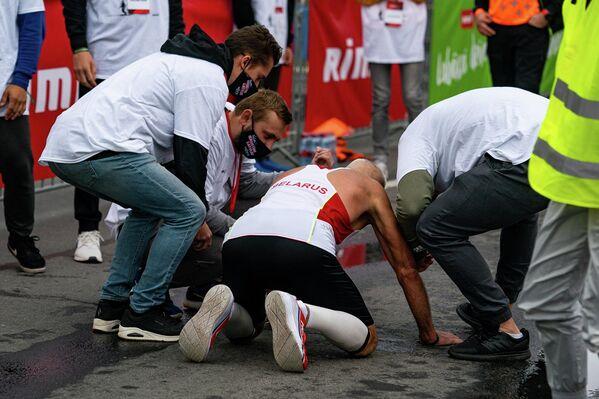 Мужчине из Беларуси стало плохо после завершения дистанции марафона - Sputnik Латвия