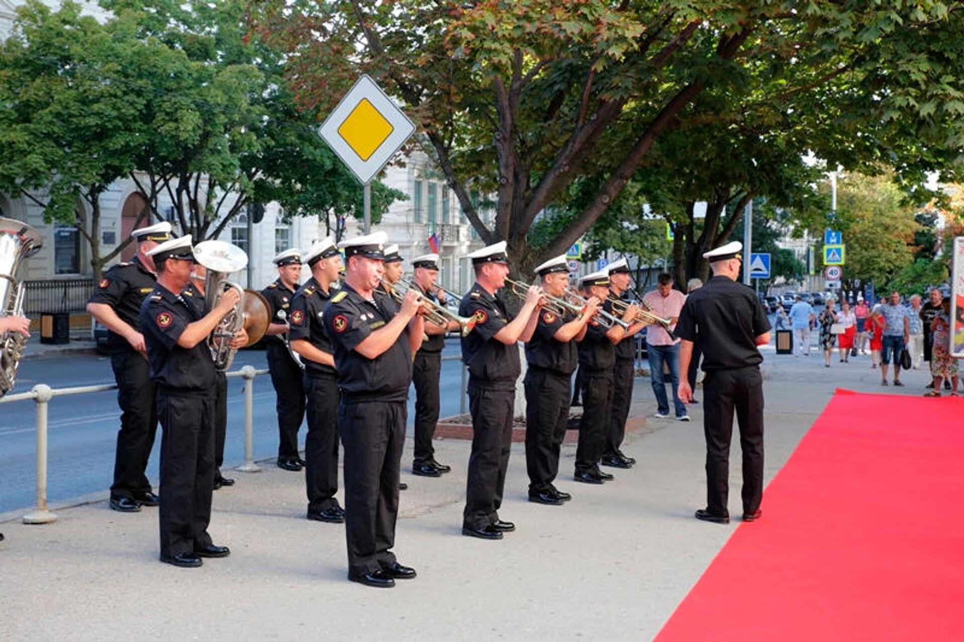 Торжественная церемония открытия XVI фестиваля Победили вместе в СЦКиИ, 28 августа 2020 года - Sputnik Латвия, 1920, 30.08.2021