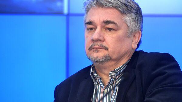 Ищенко: Зеленский стал для Байдена нежеланным гостем - Sputnik Латвия