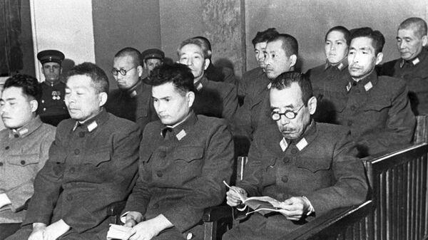 Подсудимые на процессе по делу бывших военнослужащих японской армии, обвиняемых в подготовке к применению бактериологического оружия. Хабаровск, 25-30 декабря 1949 года. Репродукция фотографии - Sputnik Latvija