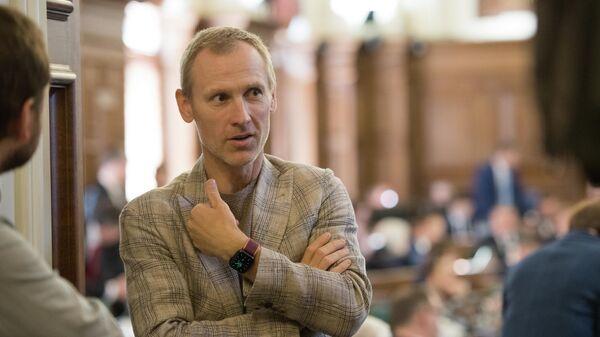 Алдис Гобземс во время первого очного заседания Сейма, 2 сентября 2021 года - Sputnik Латвия