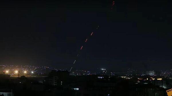 Под звуки фейерверков: США ушли из Афганистана - Sputnik Латвия