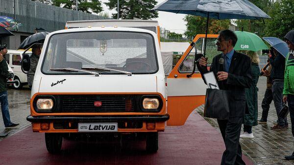 Рижский Мотор-музей представил отреставрированный автопоезд RAF Latvija - Sputnik Латвия