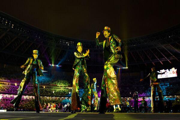 Костюмированное представление на церемонии закрытия XVI летних Паралимпийских игр - Sputnik Латвия