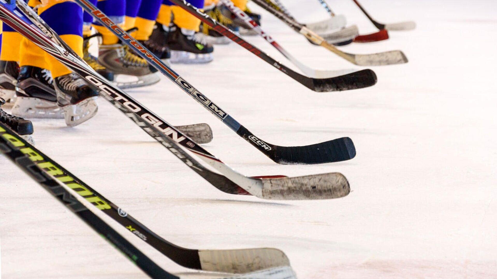 Хоккеисты на льду - Sputnik Латвия, 1920, 04.09.2021