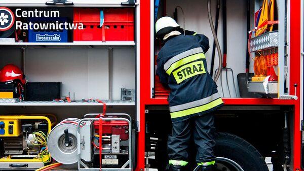 Польский пожарный  - Sputnik Latvija