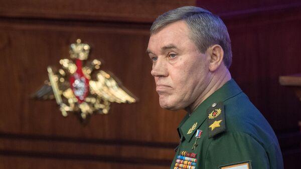 Начальник Генштаба ВС РФ проверил готовность к учениям Запад-2021 - Sputnik Latvija