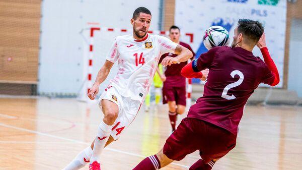 Сборные Латвии и Испании по футзалу сыграли контрольный матч в Саласпилсе - Sputnik Латвия
