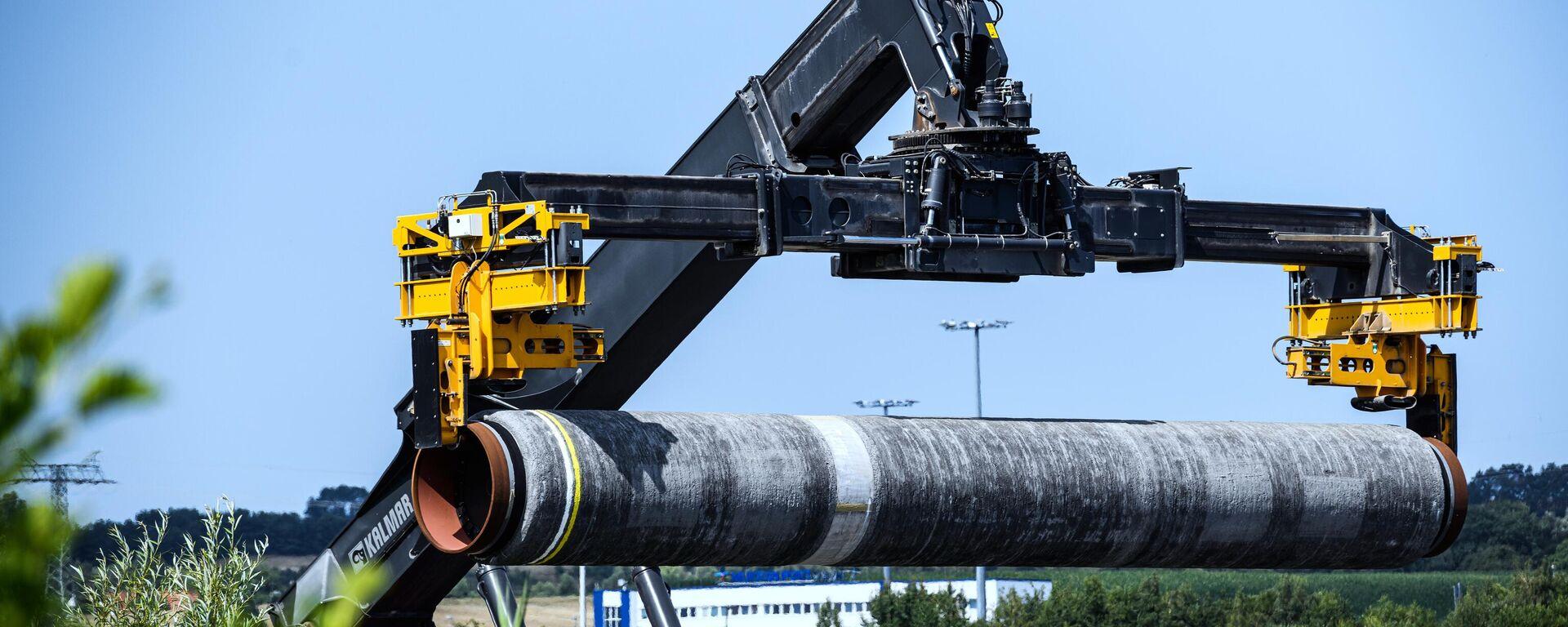 Труба для газопровода Северный поток - 2 на территории немецкого порта Мукран - Sputnik Латвия, 1920, 09.09.2021