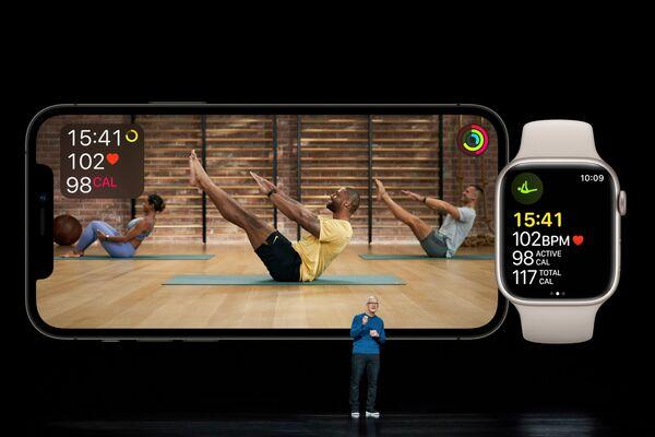 Тим Кук презентовал расширение сервиса Apple Fitness+ во время мероприятия в Купертино - Sputnik Латвия