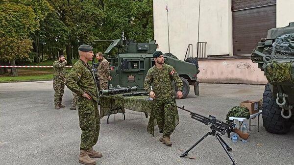 Латвийская армия пошла в народ - Sputnik Latvija
