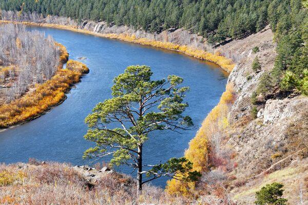 Titova sopka tiek uzskatīta par vienu no spēka vietām Aizbaikālā un ievērības cienīgākajām Čitas apkaimē. Tas ir nodzisis vulkāns – pēdējais izvirdums noticis mezozoja ērā. Tur atrasti gan mamumutu ilkņi, gan klinšu zīmējumi un apbedījumu vietas no akmens laikmeta līdz Viduslaikiem, arī slāvu apmetnes vietas - Sputnik Latvija