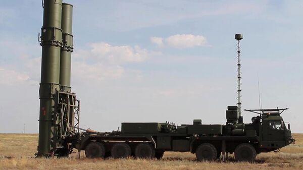 Новейшая ЗРС С-500 провела испытательные стрельбы на полигоне Капустин Яр - Sputnik Latvija