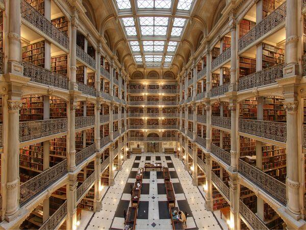 Džordža Pībodija bibliotēka Baltimorā, ASV - Sputnik Latvija
